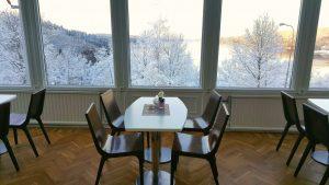 Välkommen till vår café i hotell Carl XII i Ed